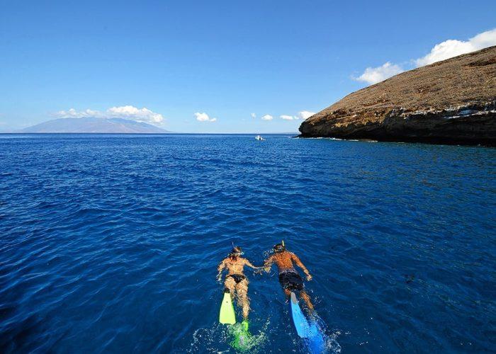 Snorkeling_Couple_04